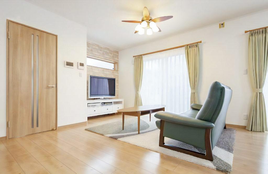 【川越市 K様邸】おしゃれな外観とリビングの、のびのび空間はママが主役になれる家。