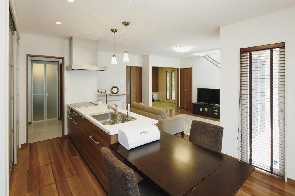 【埼玉県 T様邸】開放的な空間と家事の効率を両立して考えた、モダンスタイルの家。