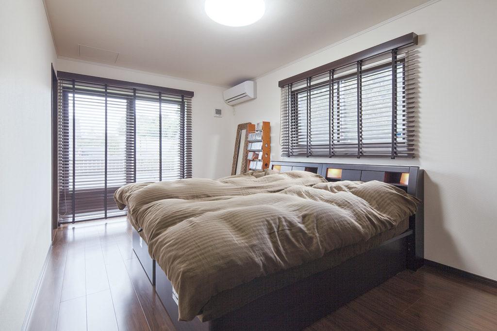 寝室 bedroom