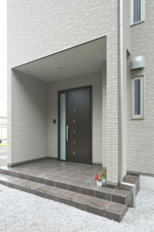 玄関 entrance