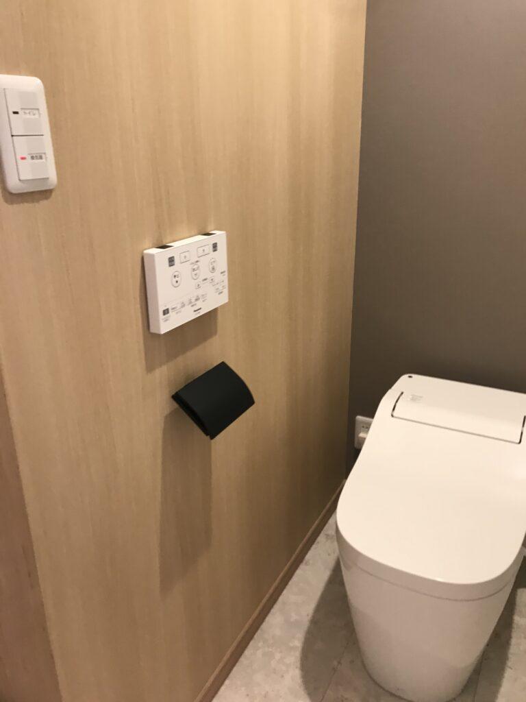 トイレ restroom